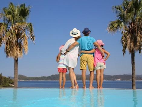 12 điều thường làm khi đi du lịch có thể gây nguy hiểm cho bạn - Ảnh 6.