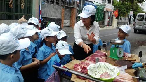Giải thưởng Phụ nữ Việt Nam 2018:Hết lòng vì trẻ khuyết tật - Ảnh 2.