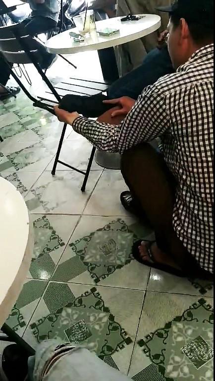 Đánh giày bị chặt chém đến 450.000 đồng, khách kiên quyết không đưa tiền - Ảnh 2.