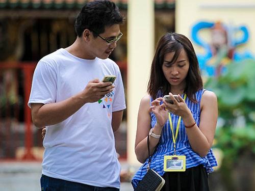 Viettel, MobiFone tiết lộ cước phí chuyển mạng giữ nguyên đầu số - Ảnh 1.