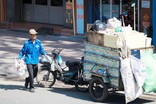 Người thu gom rác dân lập cần chính sách an sinh - Ảnh 1.