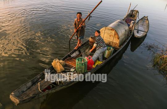 Một ngày trên phá Tam Giang - Ảnh 2.