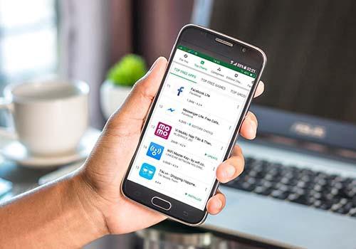 MoMo vào vị trí 13 trên Google Play và số 1 Top Free Finance - Ảnh 1.