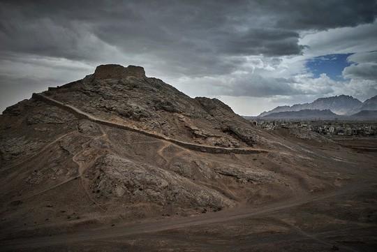 Khung cảnh ấn tượng trên con đường tơ lụa dài 6.500 km - Ảnh 12.