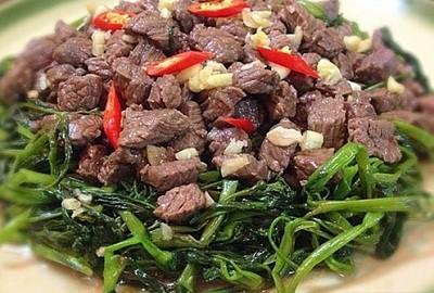 Vì sao ăn thịt trâu có thể gây ngộ độc? - Ảnh 1.