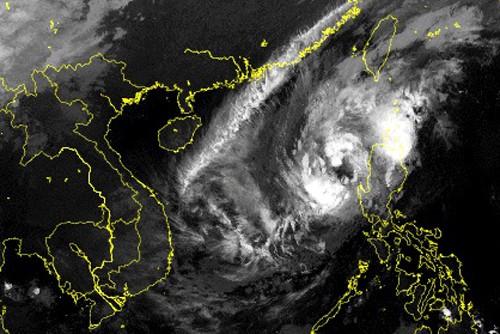 Bão Yutu vào Biển Đông thành bão số 7, chuyển ngoặt hướng di chuyển - Ảnh 2.