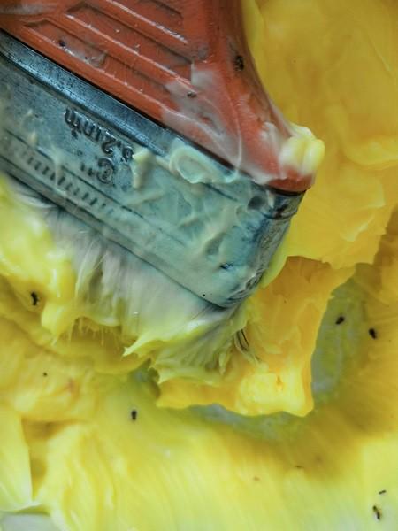 Vụ ngộ độc Tân Phú: Phát hiện khay chứa nguyên liệu chứa luôn côn trùng - Ảnh 1.