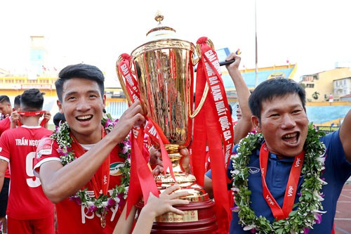 Hà Nội B đổi chủ trước ngày đá play-off - Ảnh 1.