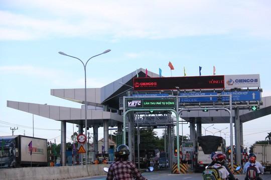 Cận cảnh vá víu quốc lộ ngàn tỉ ở Quảng Nam - Ảnh 15.