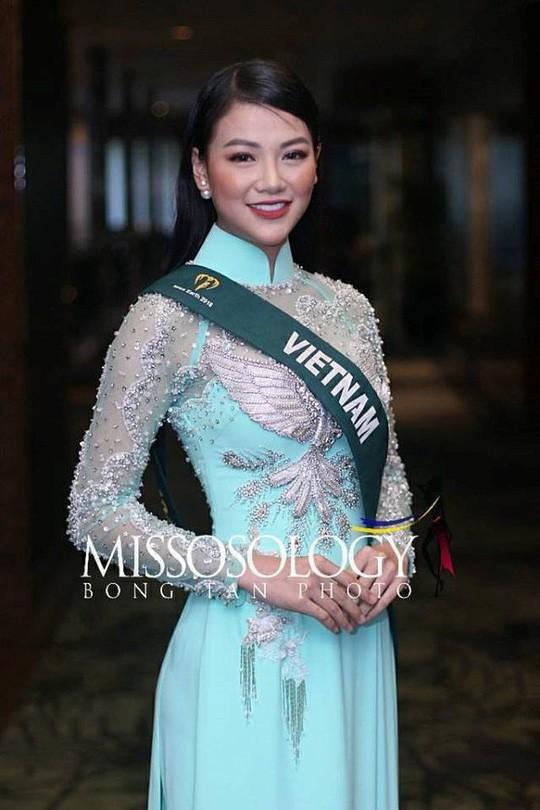 Tân Hoa hậu Trái đất xinh đẹp ngày trở về Việt Nam - Ảnh 6.