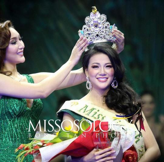 Tân Hoa hậu Trái đất xinh đẹp ngày trở về Việt Nam - Ảnh 5.