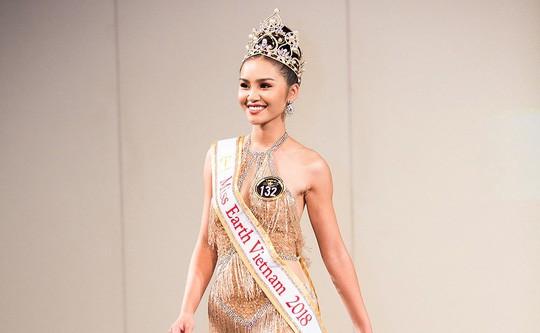 Tân Hoa hậu Trái đất xinh đẹp ngày trở về Việt Nam - Ảnh 7.