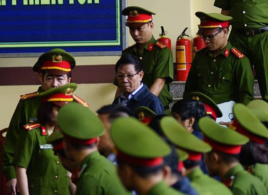General Vinh not to announce verdict: contravening power, without reason - Photo 2.