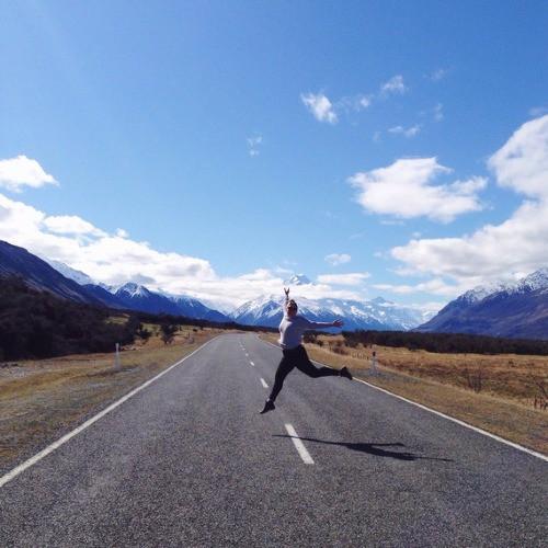 Bỏ việc đi phượt, blogger lâm cảnh thất nghiệp không xu dính túi - Ảnh 2.