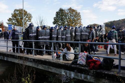 #MeToo tại biên giới EU - Ảnh 1.