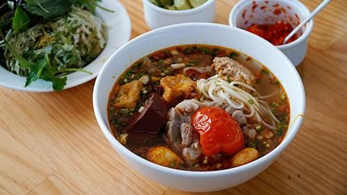 Ốc, bún riêu Việt Nam vào top 21 món ngon nhất thế giới - Ảnh 2.