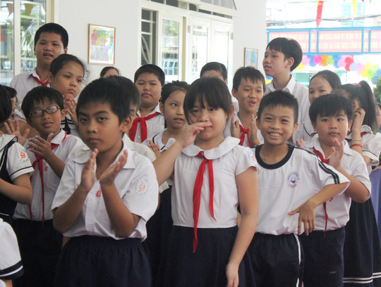 TP HCM: Trường học tiếp tục ngưng mọi hoạt động trong chiều và tối 26-11 - Ảnh 1.