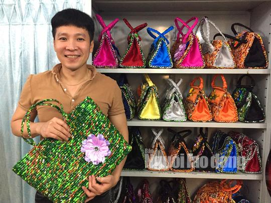 """Thầy giáo """"dở hơi"""" và bộ sưu tập giỏ xách kỷ lục Việt Nam - Ảnh 17."""