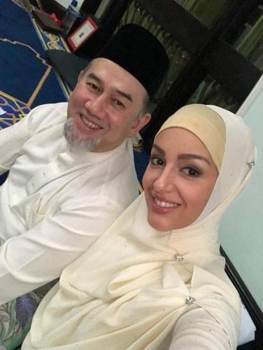Đám cưới bí mật của vua Malaysia - Ảnh 1.
