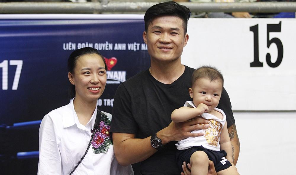 (eMagazine) Đại chiến quyền Anh Việt – Úc nửa tỉ đồng - Ảnh 7.