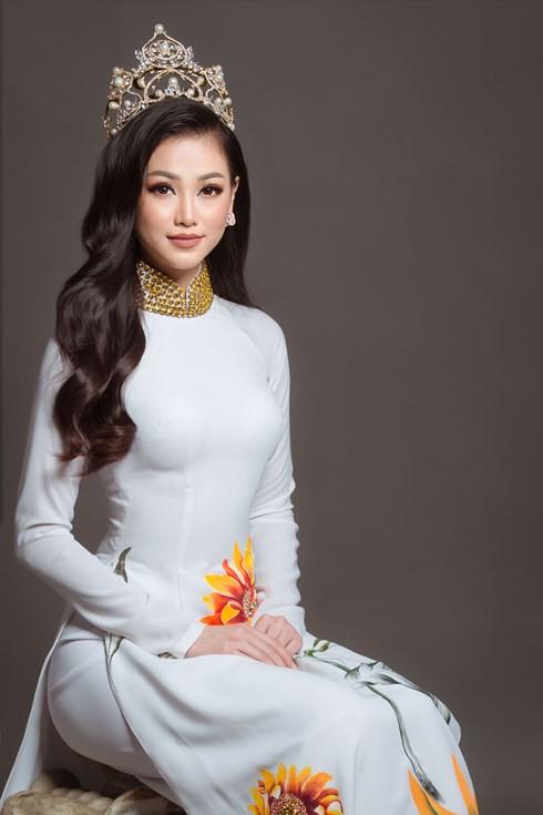Hoa hậu Trái đất Phương Khánh nói gì về giây phút đăng quang? - Ảnh 2.