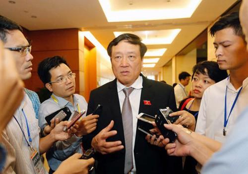 Chánh án Nguyễn Hòa Bình nói gì về vụ án xe container tông xe Innova đi lùi trên cao tốc? - Ảnh 1.