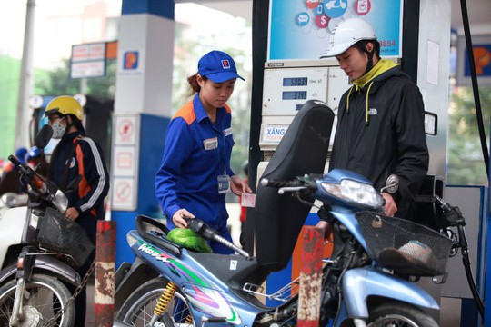 Giá xăng giảm hơn 1.000 đồng/lít - Ảnh 1.