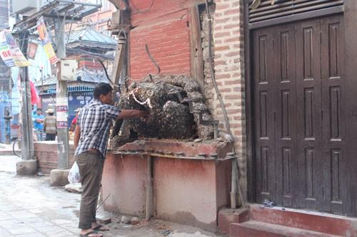 Vòng quanh khu ổ chuột ở Nepal - Ảnh 5.