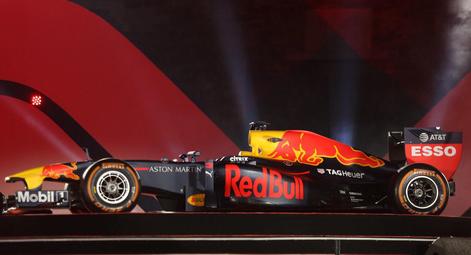Choáng với giá trị siêu xe đua F1 xuất hiện tại Hoàng Thành Thăng Long - Ảnh 8.