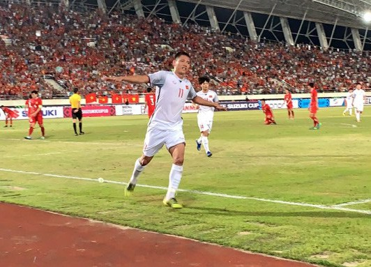 Việt Nam - Lào 3-0: Tiệc bàn thắng ở Vientiane - Ảnh 2.