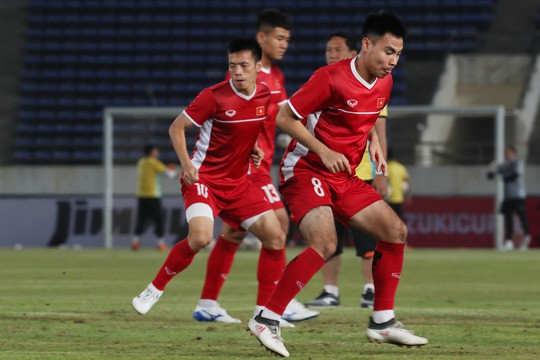 Việt Nam - Lào 3-0: Tiệc bàn thắng ở Vientiane - Ảnh 7.