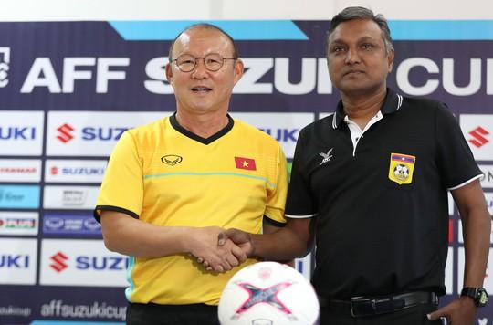 Việt Nam - Lào 3-0: Tiệc bàn thắng ở Vientiane - Ảnh 6.