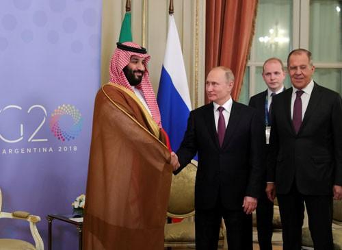 Nga - Ả Rập Saudi bật đèn xanh giảm sản lượng dầu - Ảnh 1.