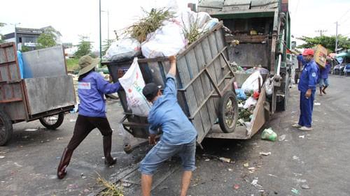 Có thể mua rác của người dân? - Ảnh 1.