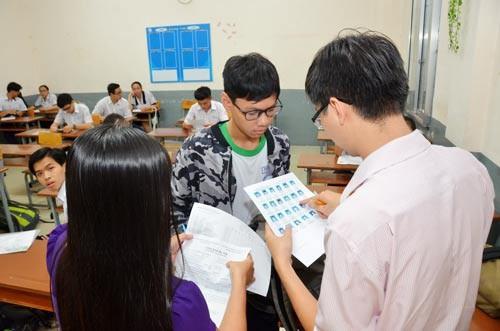 Vì sao Bộ GD-ĐT điều động giáo viên biên soạn, xây dựng ngân hàng câu hỏi? - Ảnh 1.
