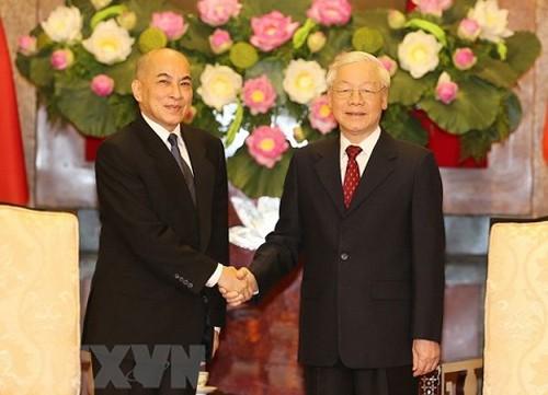 Quốc vương Campuchia thăm, nghỉ dưỡng tại Việt Nam - Ảnh 1.