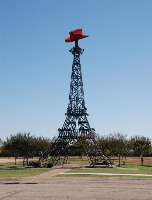 10 nơi ngắm tháp Eiffel mà không cần tới Pháp - Ảnh 11.