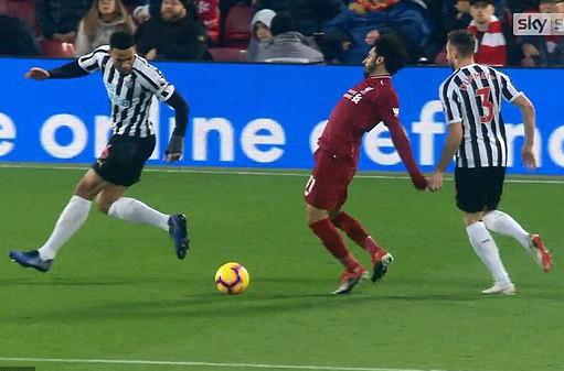 Rộ nghi án FA bảo kê cho Liverpool vô địch lượt đi  - Ảnh 4.