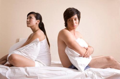 Căng thẳng khi vợ vừa ân ái vừa... Đếm giờ - Ảnh 1.