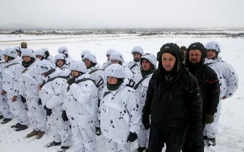Lo bị xâm lược, Ukraine điều quân tới biên giới Nga - Ảnh 1.