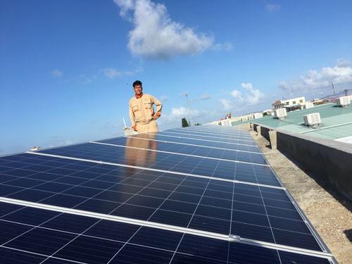 Tiềm năng điện mặt trời áp mái - Ảnh 1.