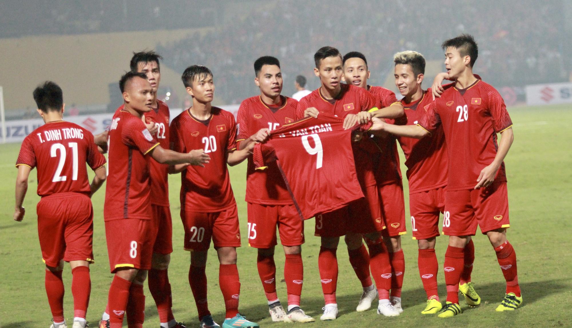 [eMagazine] - Giấc mơ 10 năm bóng đá Việt - Ảnh 9.