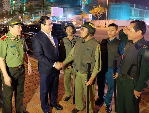 Chủ tịch Đà Nẵng phê bình chủ tịch phường, quận về việc xã hội đen trấn áp dân mà không hay biết - Ảnh 1.
