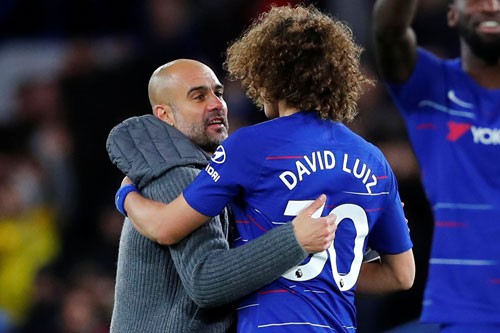 Guardiola không phục, David Luiz thành người hùng - Ảnh 1.