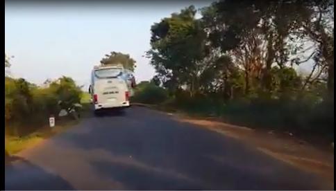 Sẽ sa thải tài xế xe khách bỏ mặc nạn nhân tai nạn - Ảnh 1.