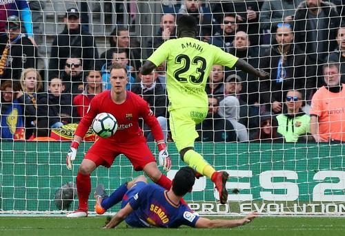 Tịt ngòi lần đầu sân nhà, Barcelona mất điểm trước Getafe - Ảnh 4.