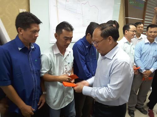 Lãnh đạo TP HCM chúc tết công nhân Đa Phước - Ảnh 2.