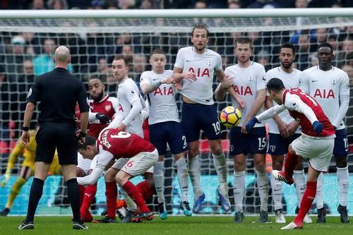 Arsenal hồi hộp chờ đấu đội bóng vô danh Ostersunds - Ảnh 3.