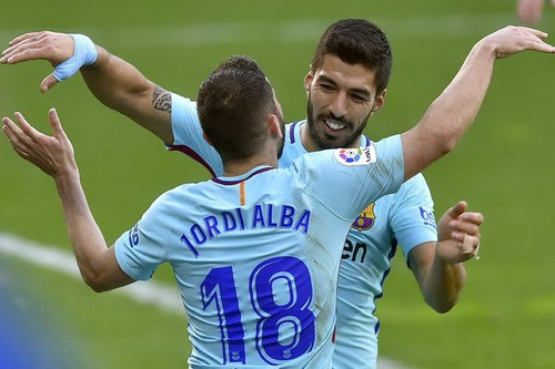 Barcelona bất bại 31 trận, Valverde sánh ngang Guardiola - Ảnh 7.