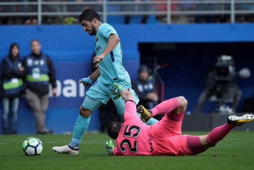 Barcelona bất bại 31 trận, Valverde sánh ngang Guardiola - Ảnh 3.